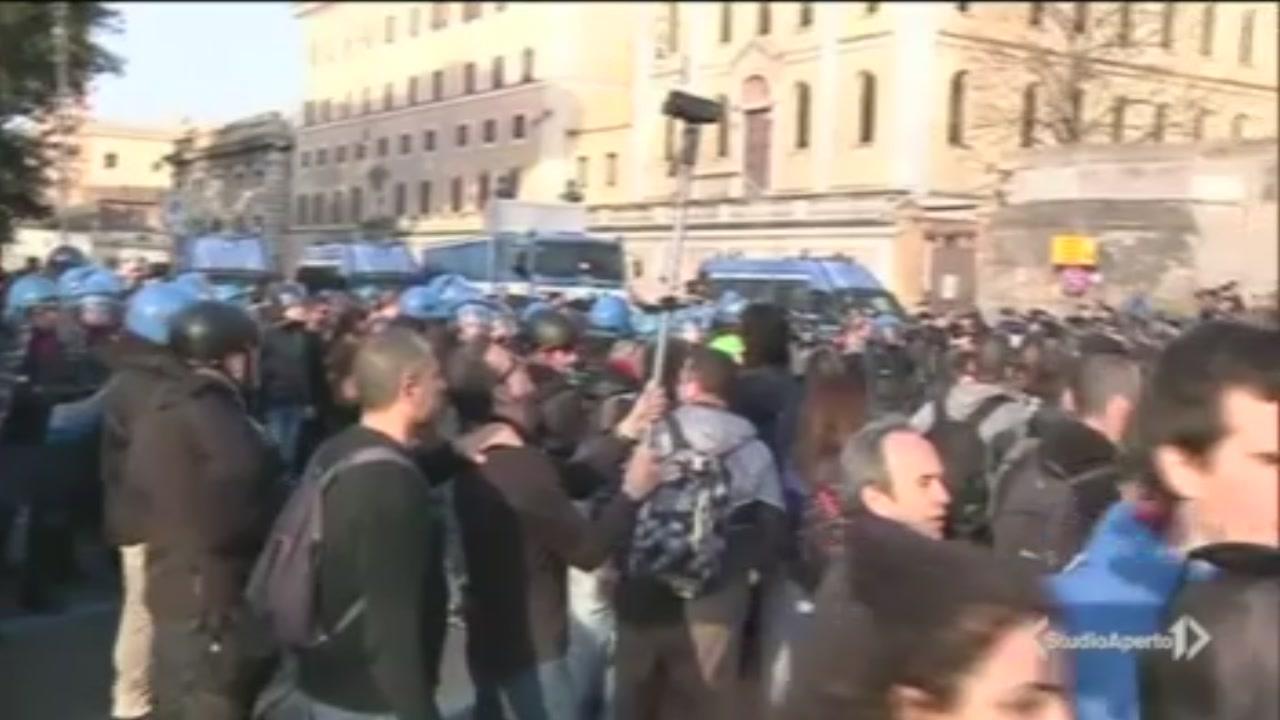 Trattati di Roma: tensione corteo anti Ue