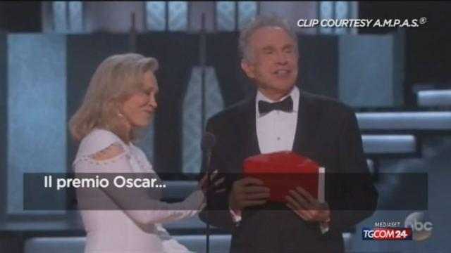 """Oscar: """"Moonlight"""" vittoria con gaffe, """"La La Land"""" è il più premiato (clicca per leggere l'articolo)"""