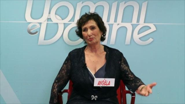 Vuoi conoscere Angela?