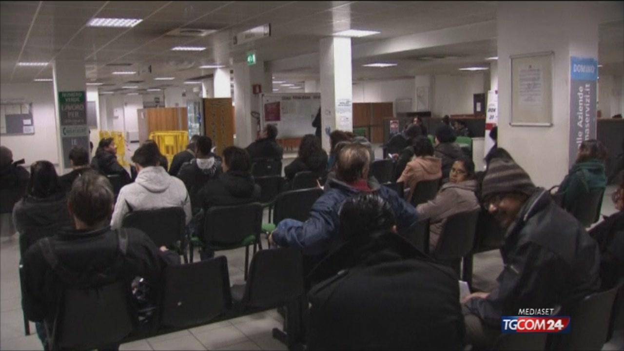 Disoccupazione all'11,7%, cala quella giovanile