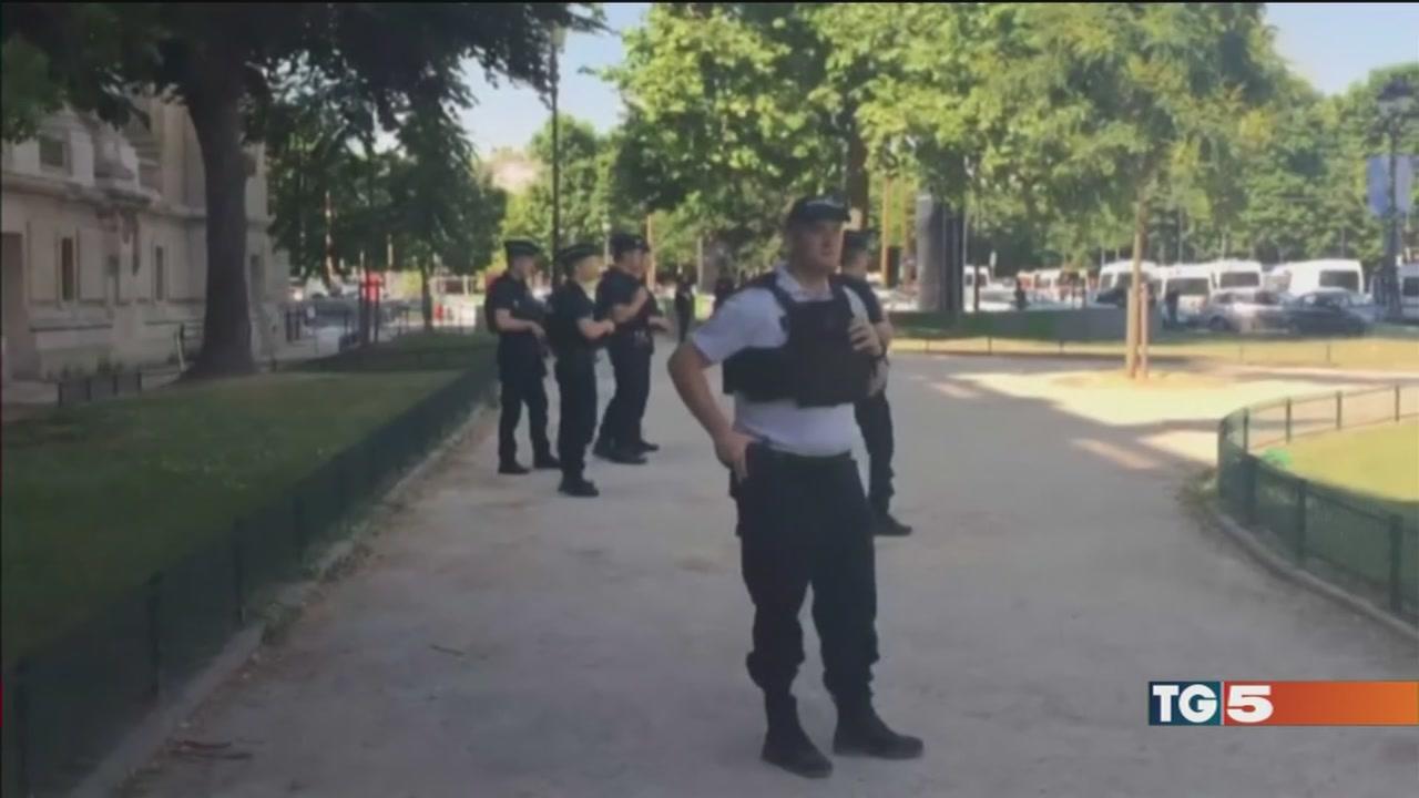 Terrore agli Champs Elysées