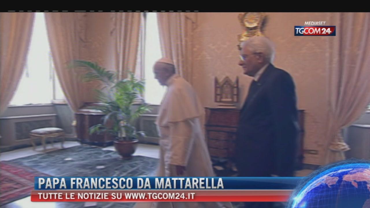 """Papa al Quirinale incontra Mattarella: """"Terrorismo, migranti, disoccupazione le sfide"""""""