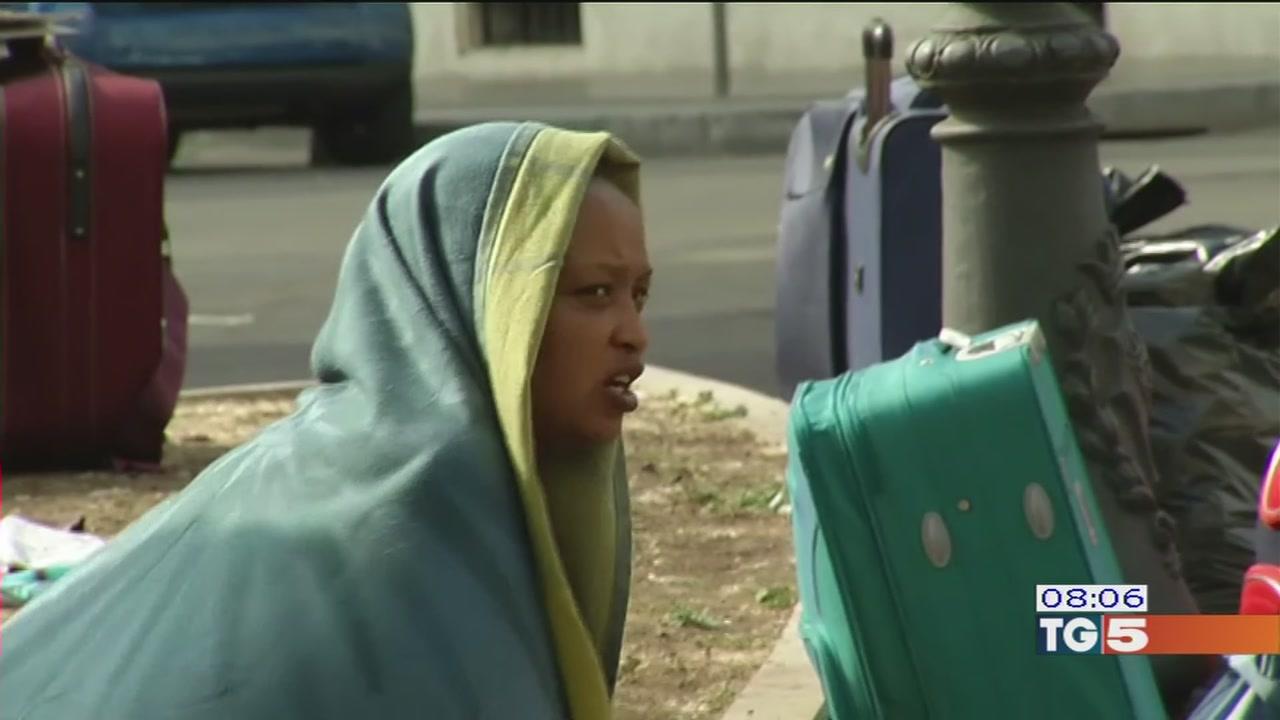 Nelle caserme vuote i migranti senza casa