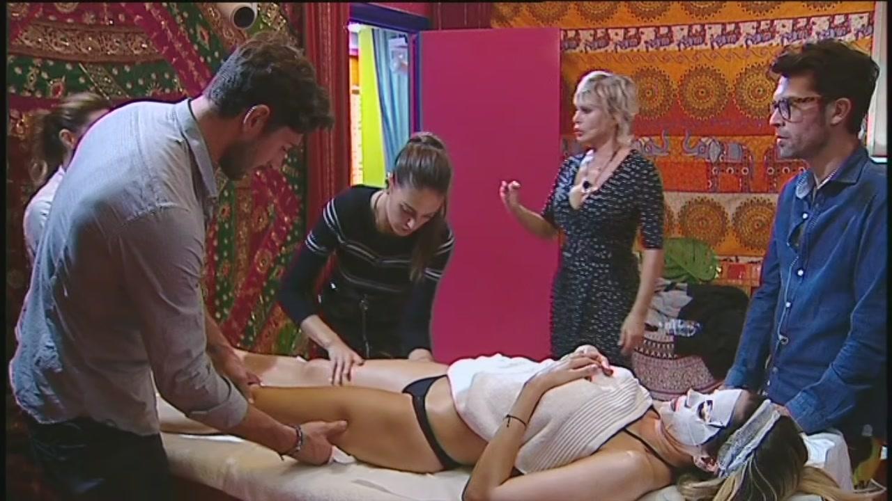 Un massaggio per Aida