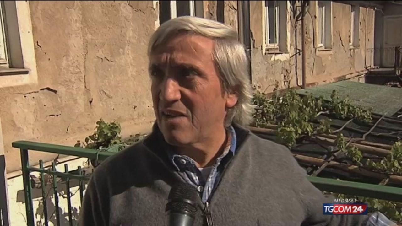 Genova, rogo in casa: genitori lanciano bambino dalla finestra