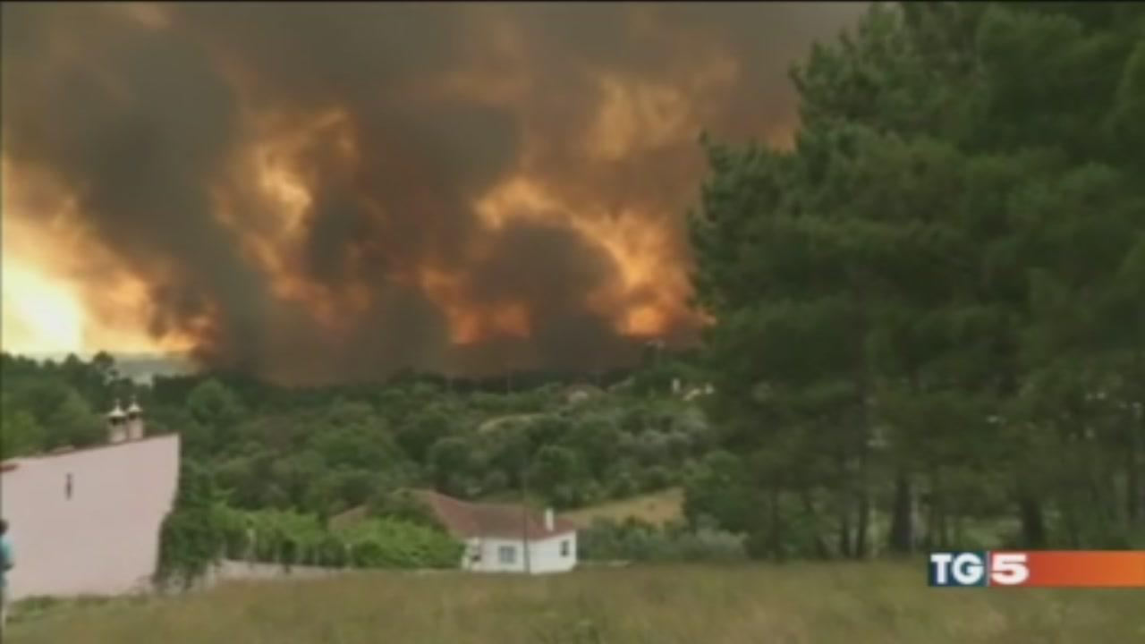 Inferno in Portogalla, 57 morti tra le fiamme