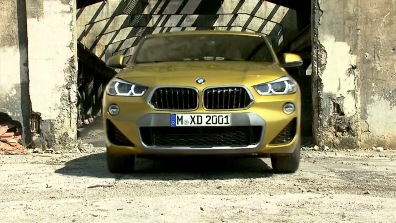 Ecco le prime immagini di BMW X2