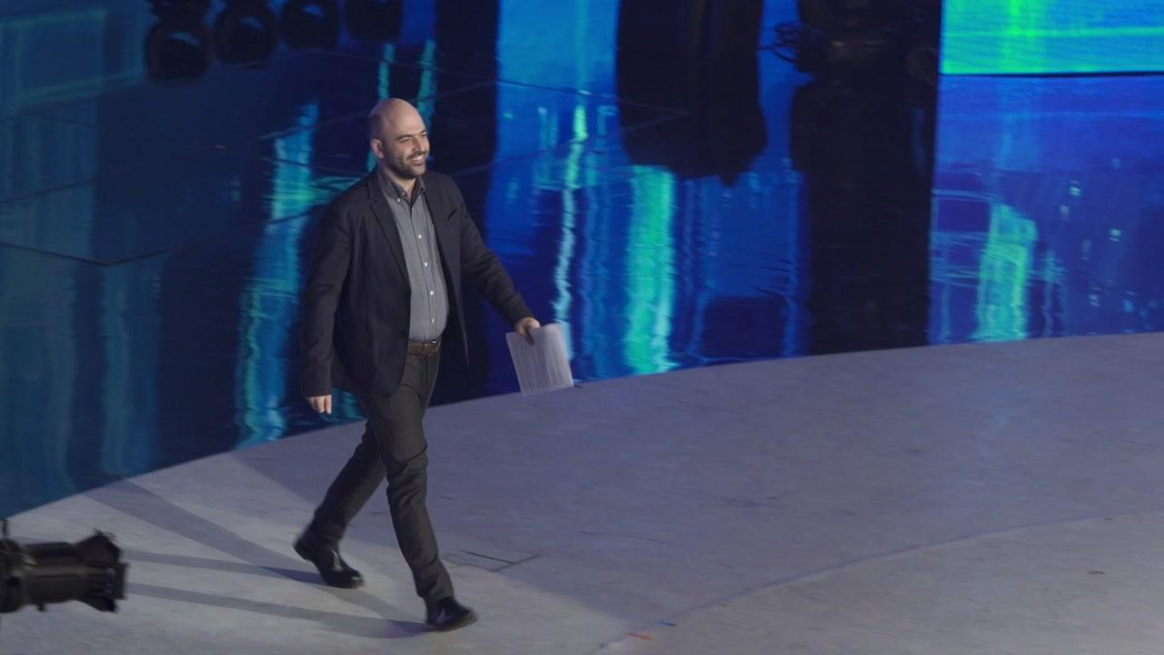 """Roberto Saviano ospite ad """"Amici"""""""