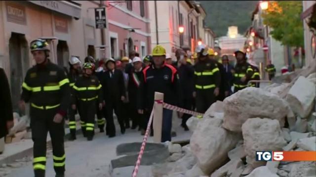 Il grazie dell'Italia ai Vigili del fuoco
