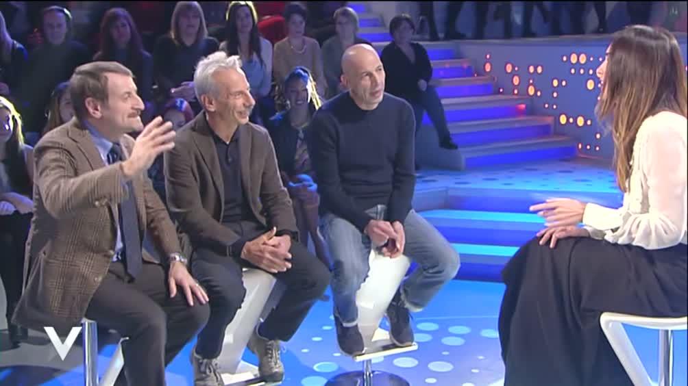Aldo, Giovanni e Giacomo: tra spalle e sgabelli...