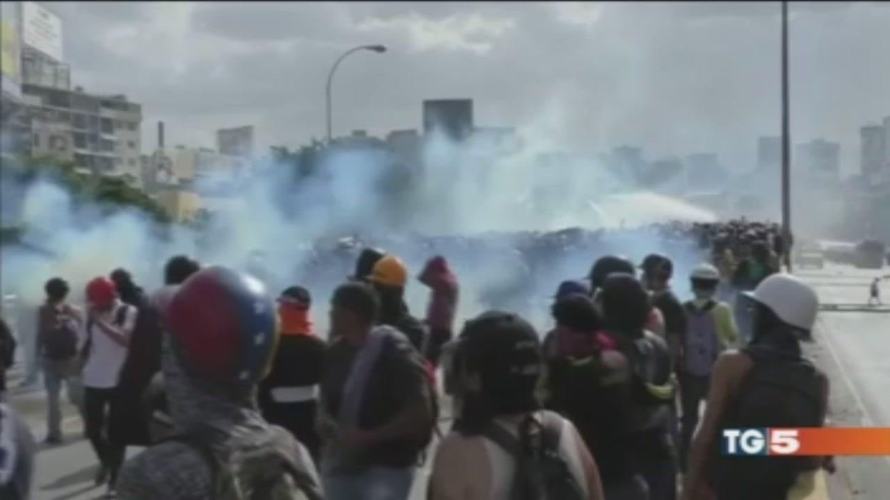 Venezuela voto e caos, ucciso un candidato