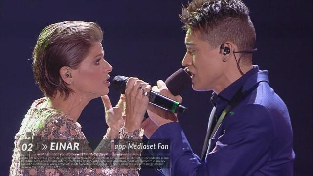 Einar – Duetto con Alessandra Amoroso – La Finale di Amici17 – 11 giugno