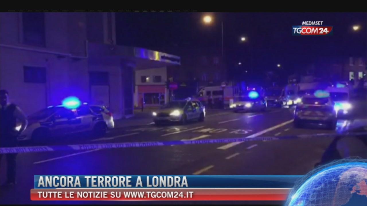 Londra, furgone su fedeli fuori moschea Finsbury Park: un morto e otto feriti