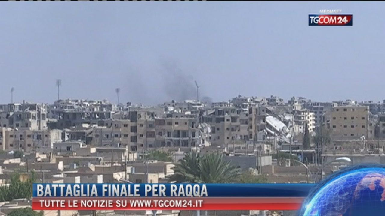 Siria, Raqqa vicina alla liberazione: i primi foreign fighter cominciano a lasciare la città