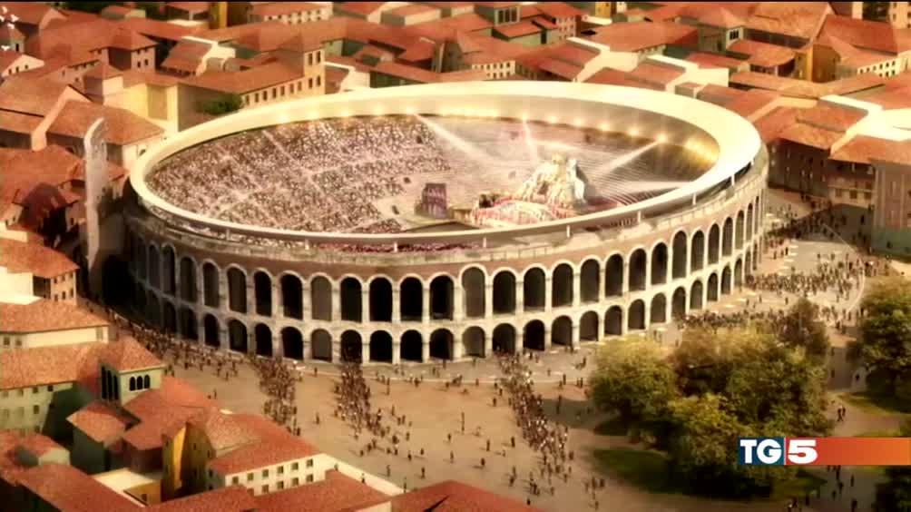 Al via la copertura dell'Arena di Verona