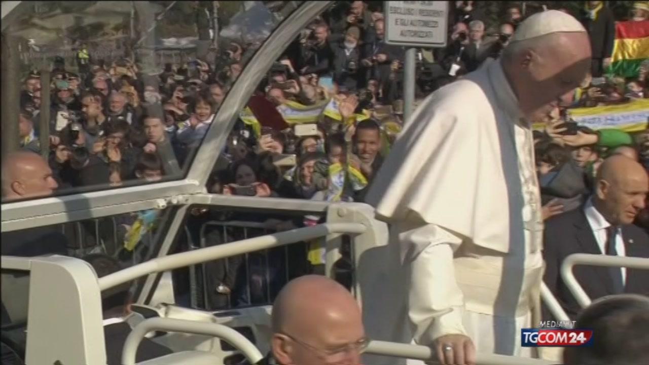 Papa a Milano , il film della visita
