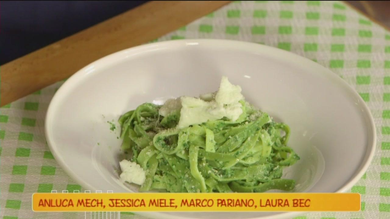 Tagliatelle con crema di spinaci e mozzarella