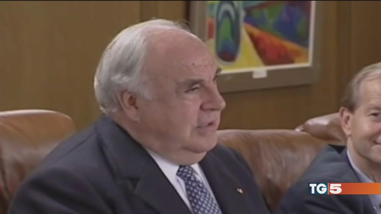 Addio a Helmut Kohl