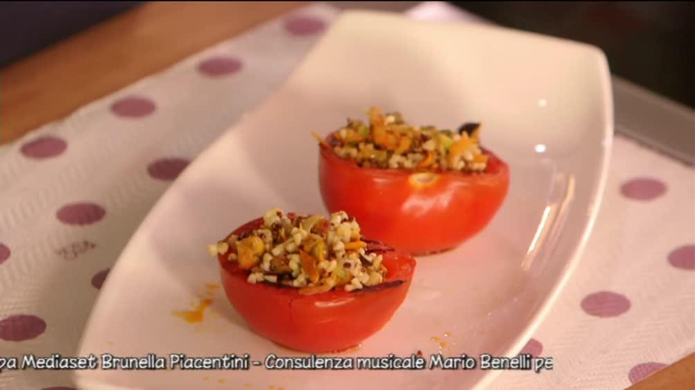 Pomodori ripieni con verdure e quinoa