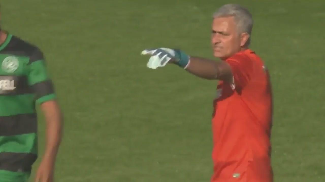 Che portiere... Mourinho