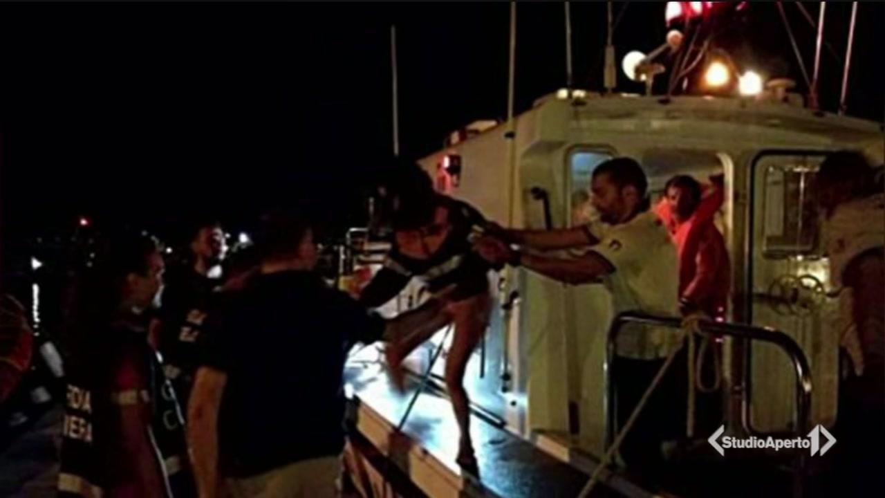 """""""Aiuto, la barca affonda"""""""