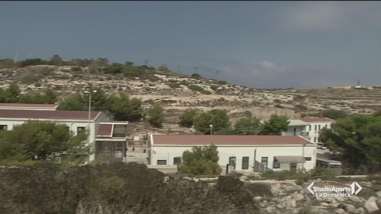 Lampedusa, è polemica per i migranti