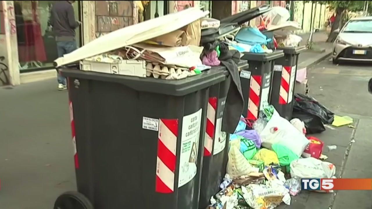 Roma, emergenza rifiuti nei giorni delle feste
