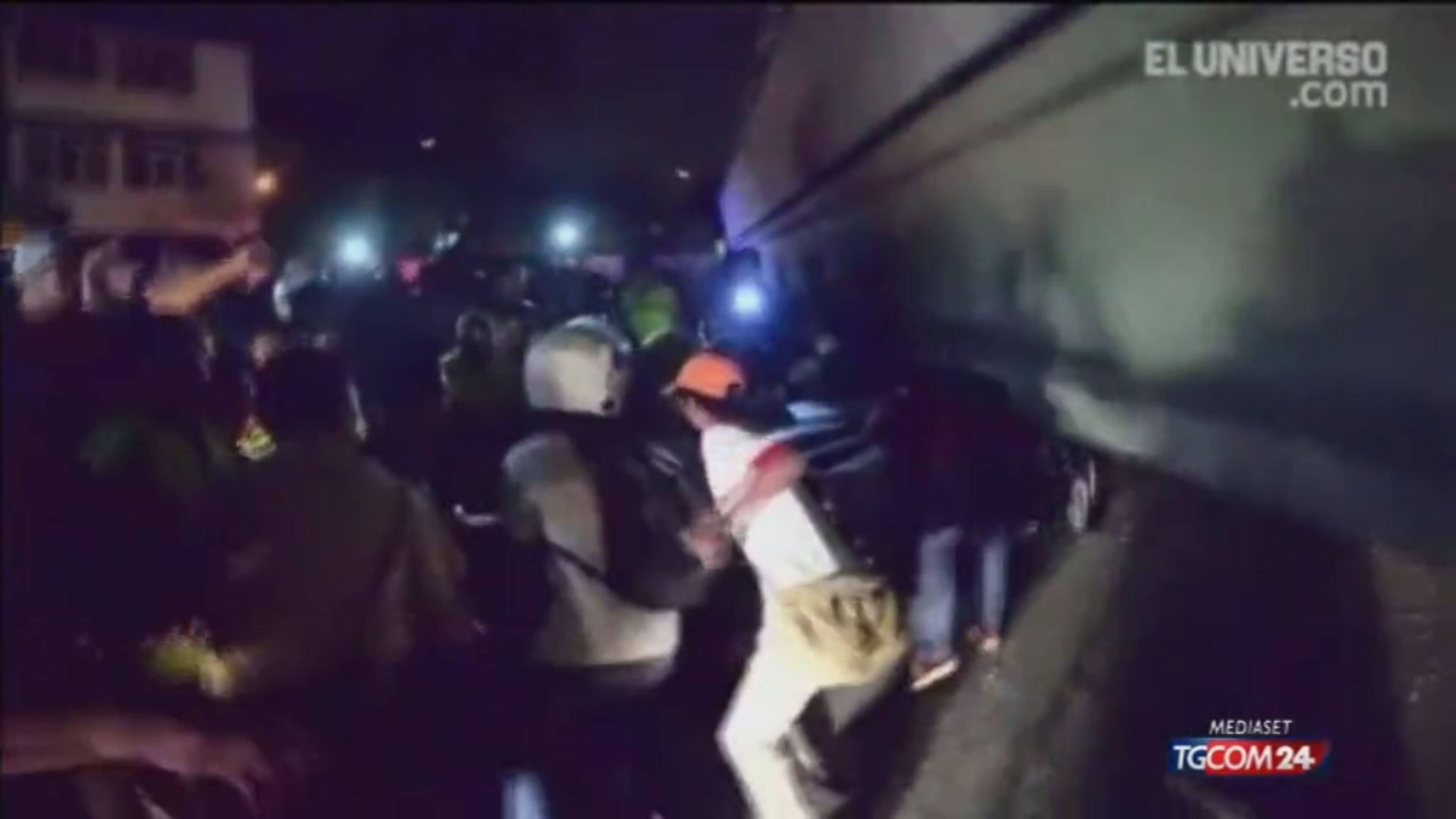 Ecuador, sisma di magnitudo 7,8 devasta la costa