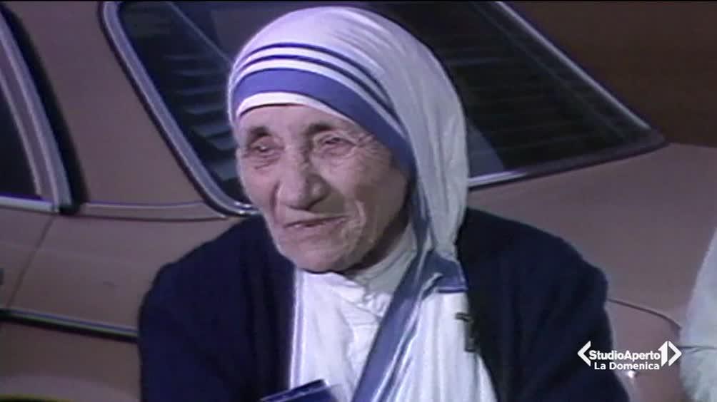 Madre Teresa di Calcutta è Santa
