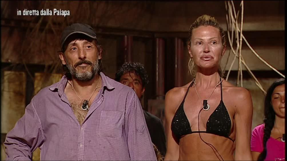 Nathaly Caldonazzo deve abbandonare l'Isola