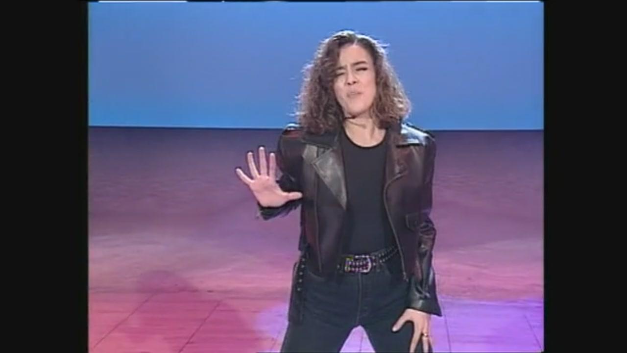 Non è la Rai 1993, quando Ambra Angiolini interpretò Battisti