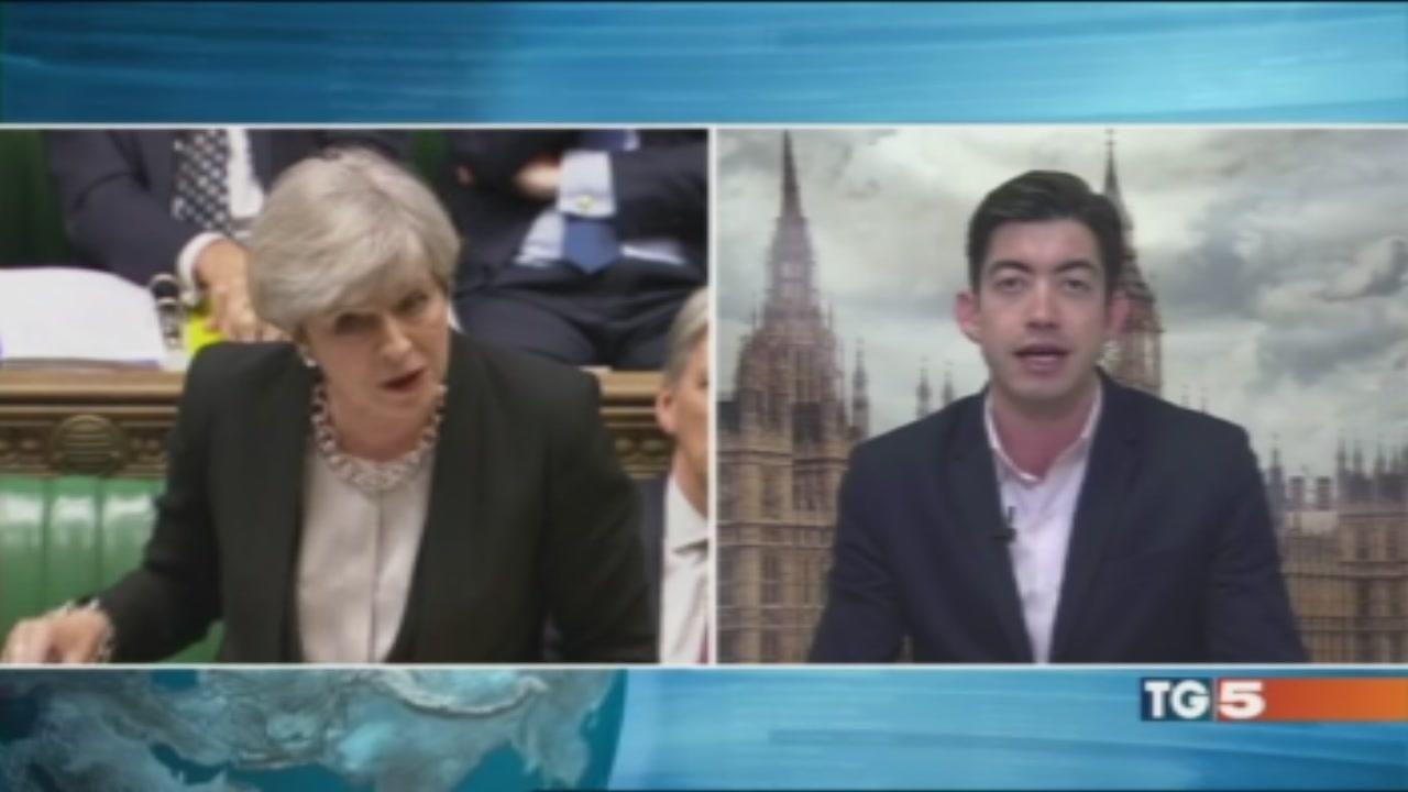 """Londra verso il voto """"Mandato più sicuro"""""""