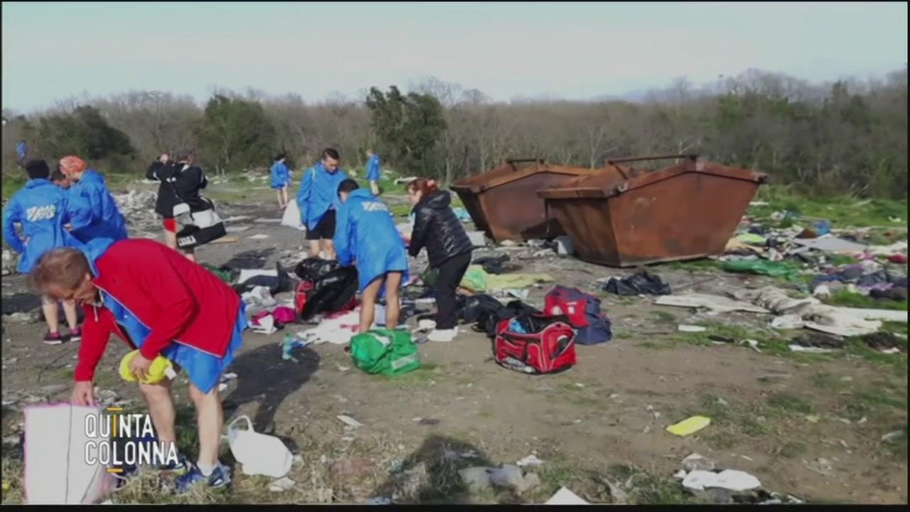 Zaini rubati, li ritrovano nel campo rom