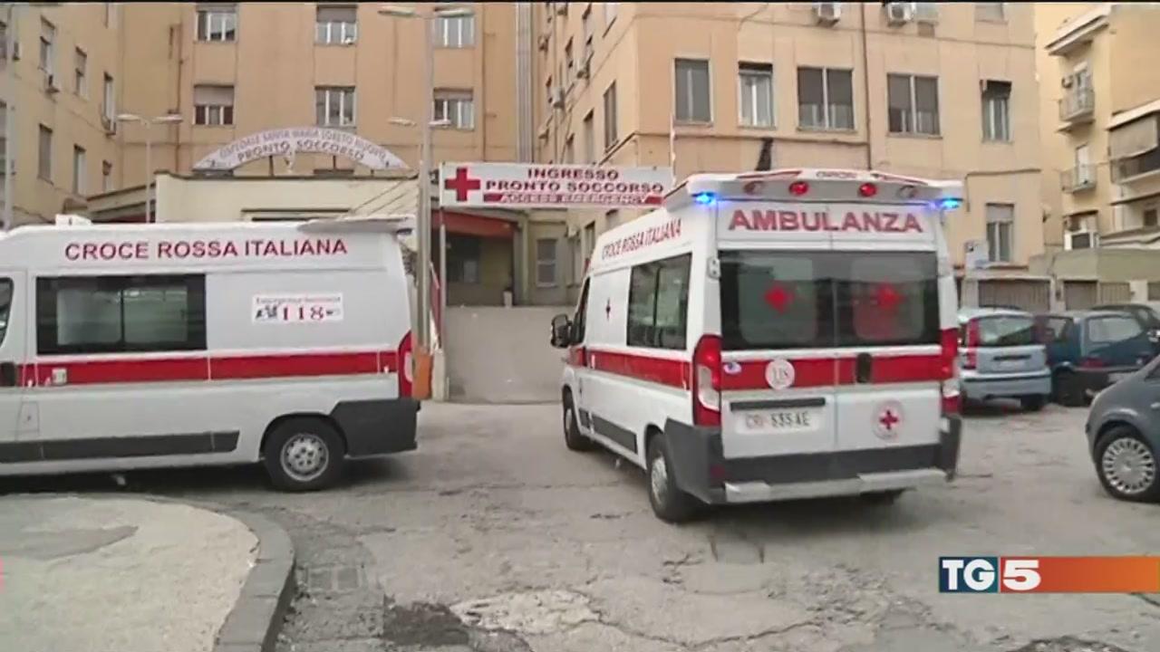 Acqua sporca invade le stanze dell'ospedale