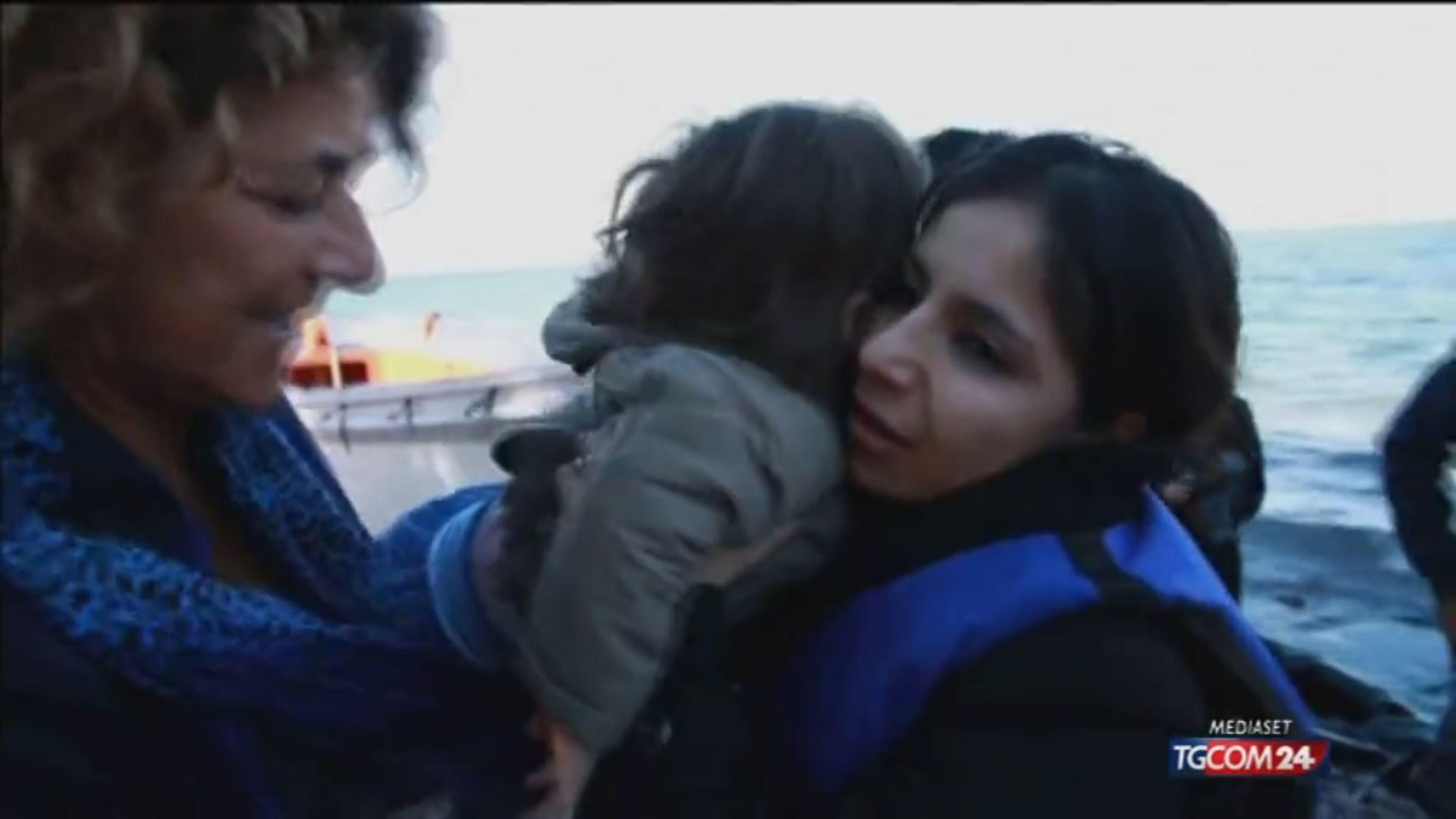 Immigrati: tra naufragi in Grecia e scontri in Ue