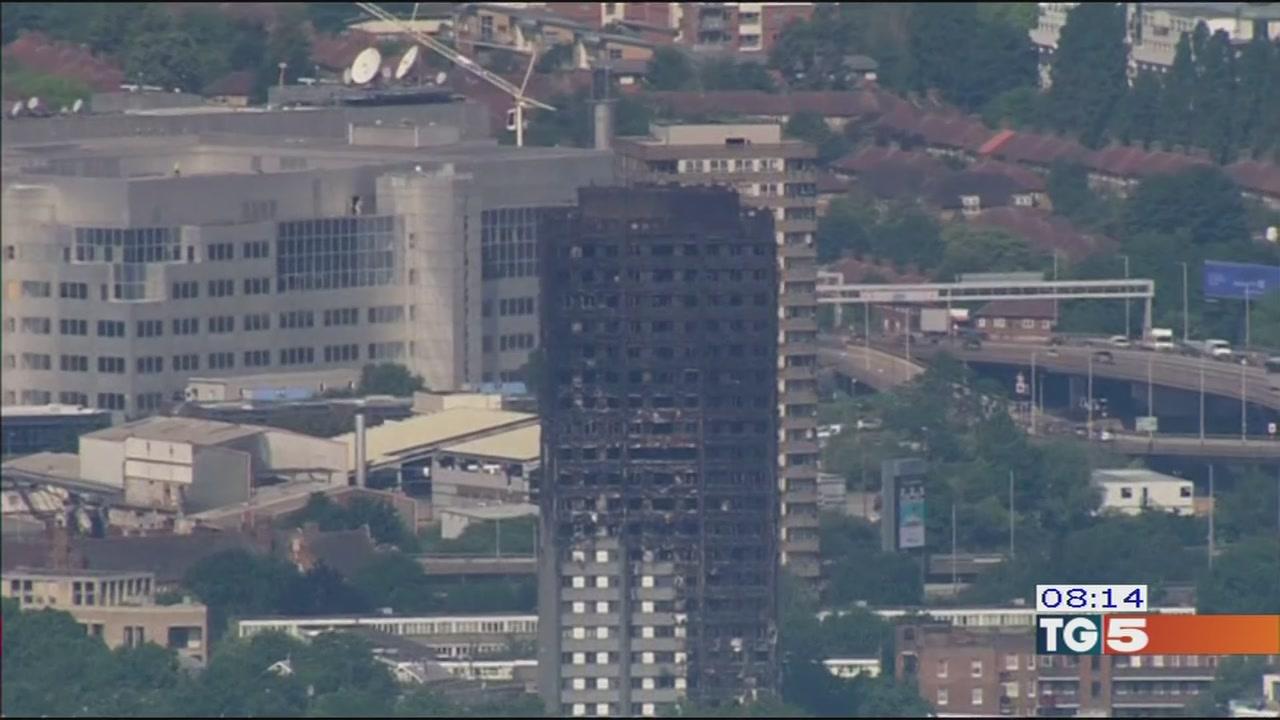 Incendio di Londra partono le indagini
