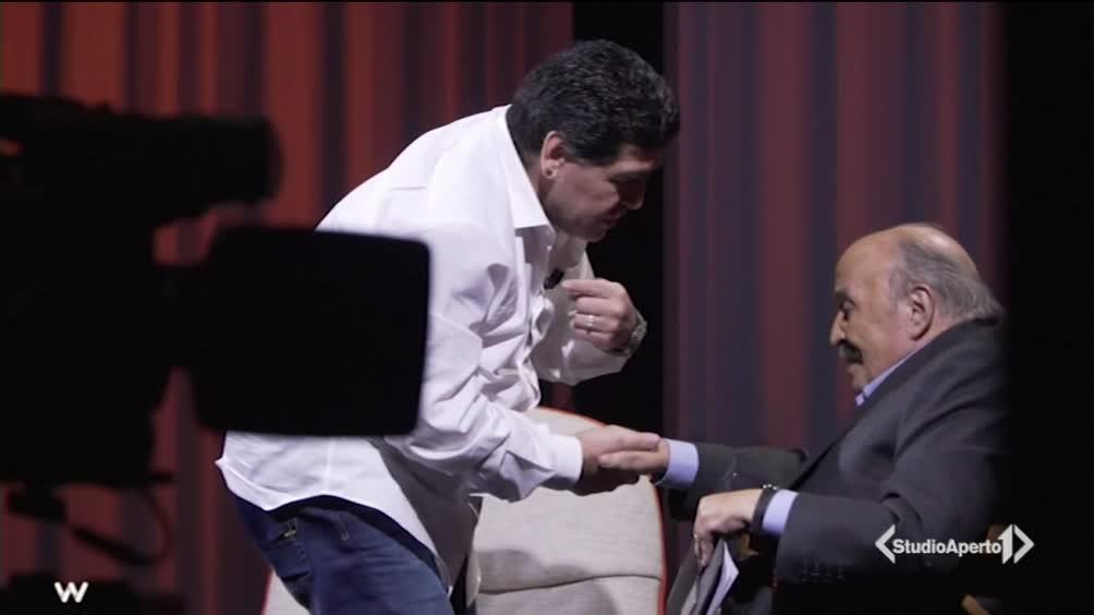 Maradona ospite di Costanzo