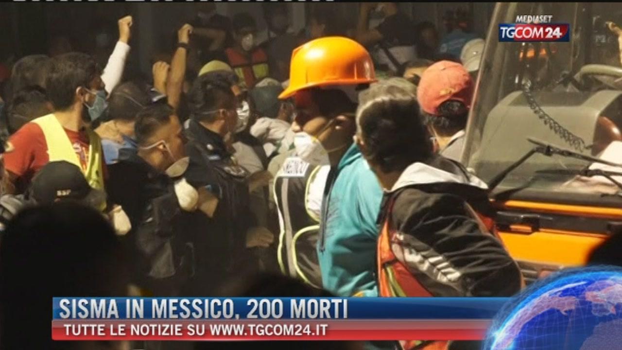 Sisma in Messico, oltre 200 morti