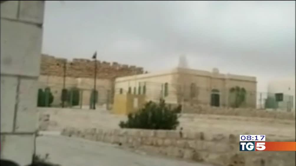 Giordania, attacco nel centro di Karak