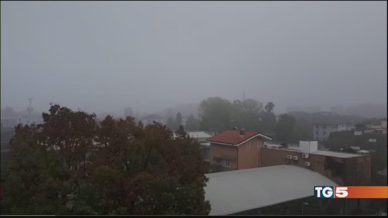 Vento e prime piogge per spazzare via lo smog