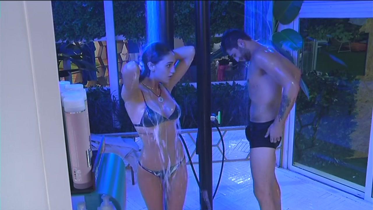 La doccia dei fratelli Rodriguez