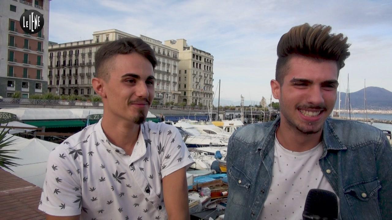 TOFFA: Cacciati di casa dai genitori perché gay