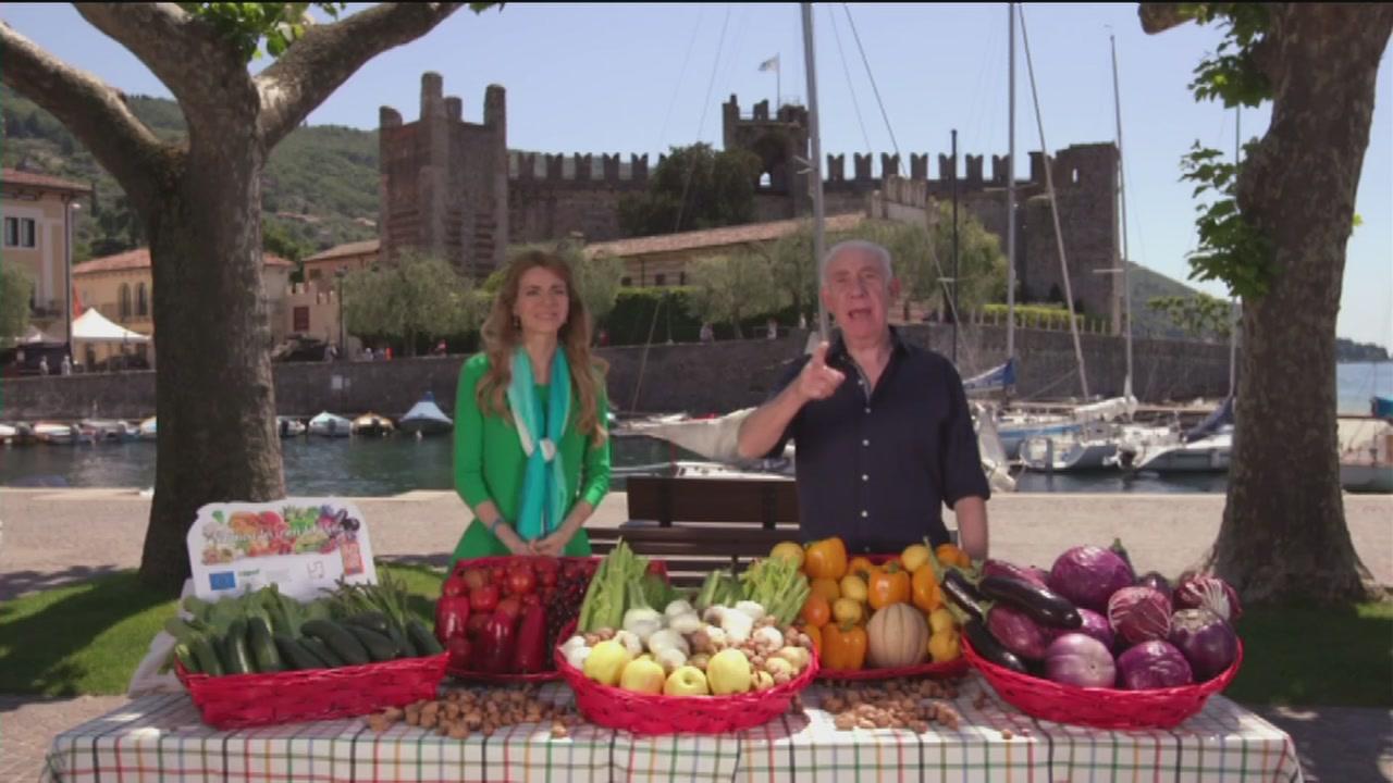 La frutta e la verdura di colore bianco