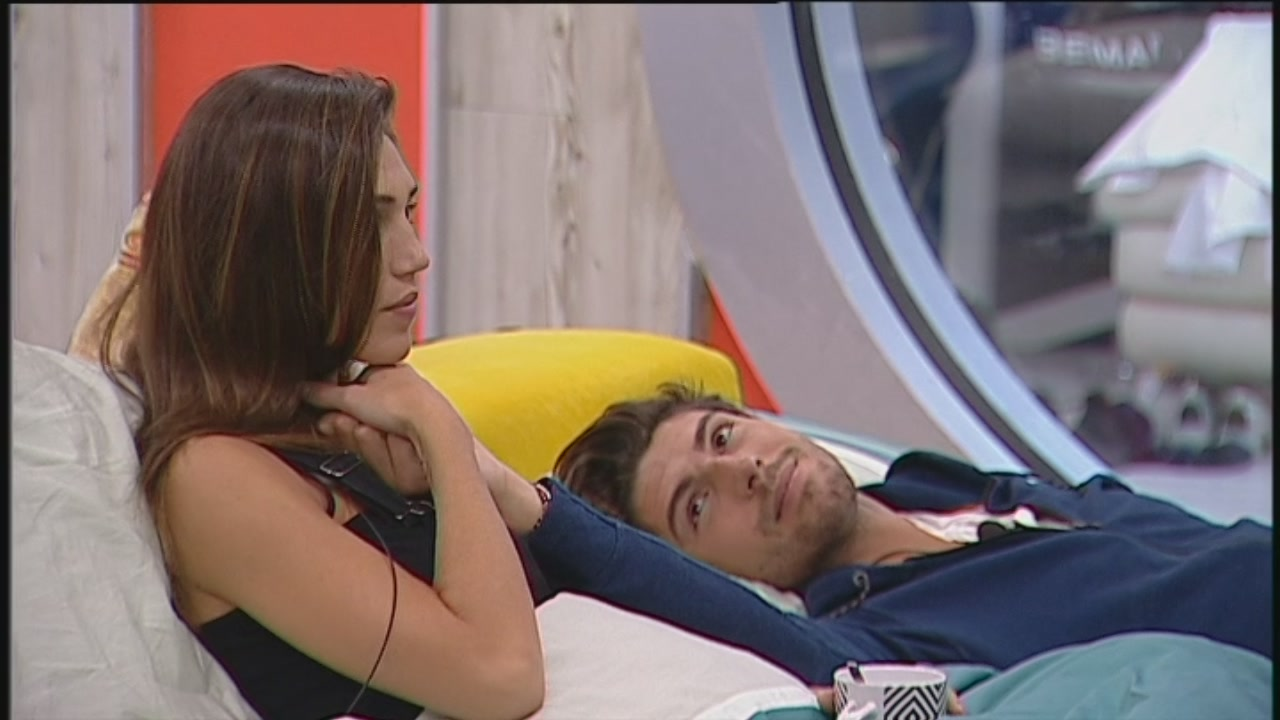 Ignazio raggiunge Cecilia a letto