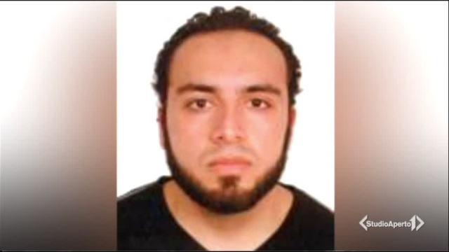 'È l'uomo delle bombe': preso