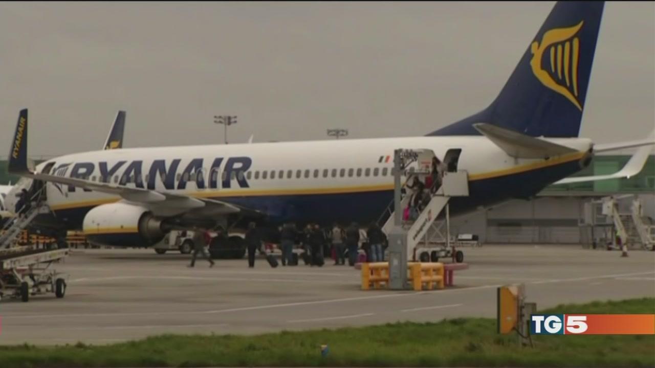 Minacce antisciopero, tutti contro Ryanair