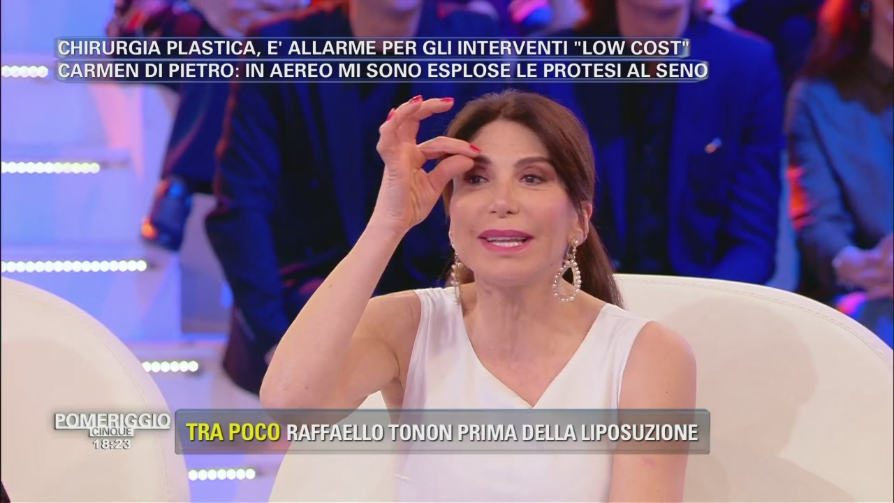 Basta botox per Carmen