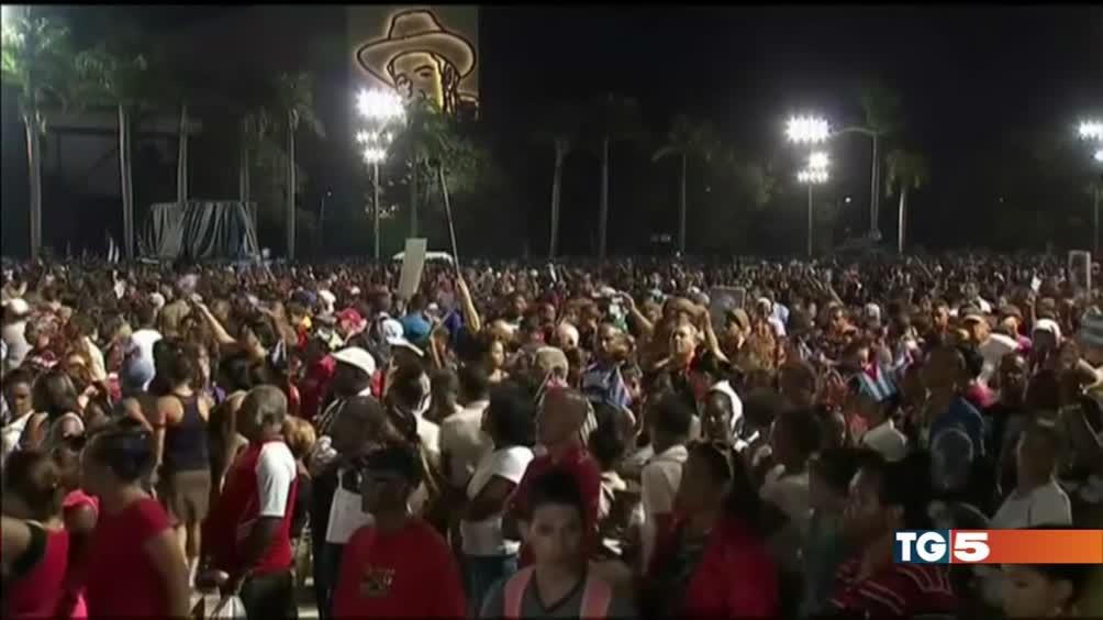 L'addio a Castro folla a Santiago