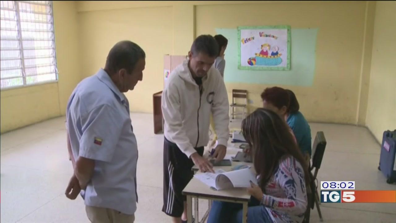 Venezuela voto e violenze