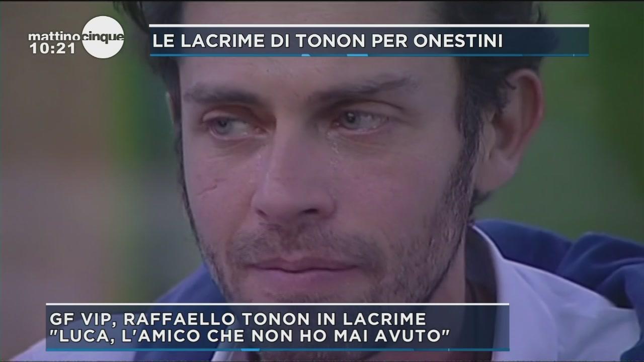 GF Vip 2: le lacrime di Raffaello